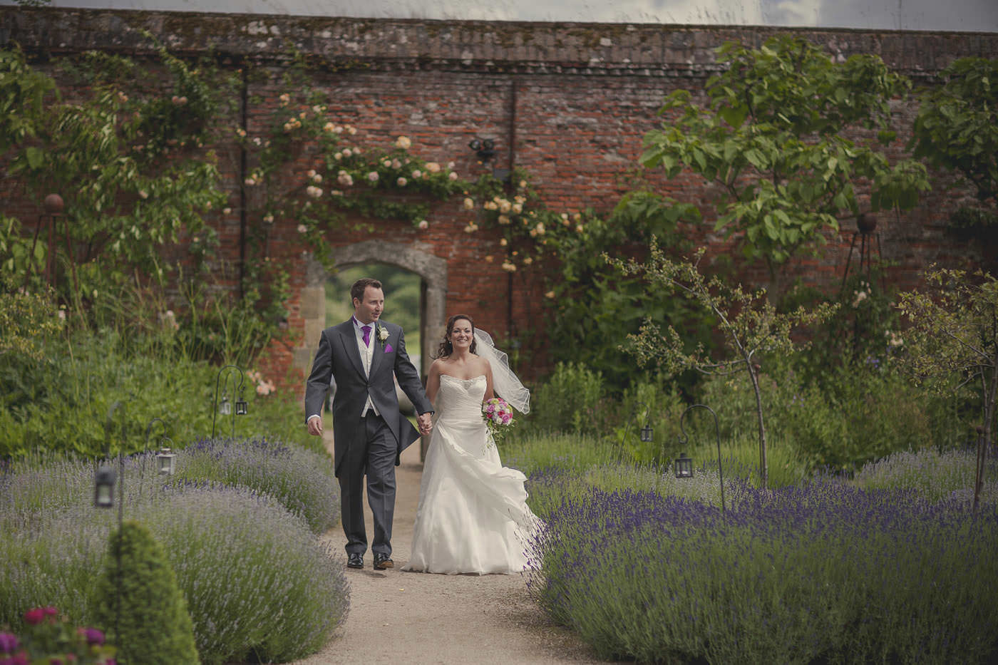 chrissarah walled garden midhurst wedding photographer 0084