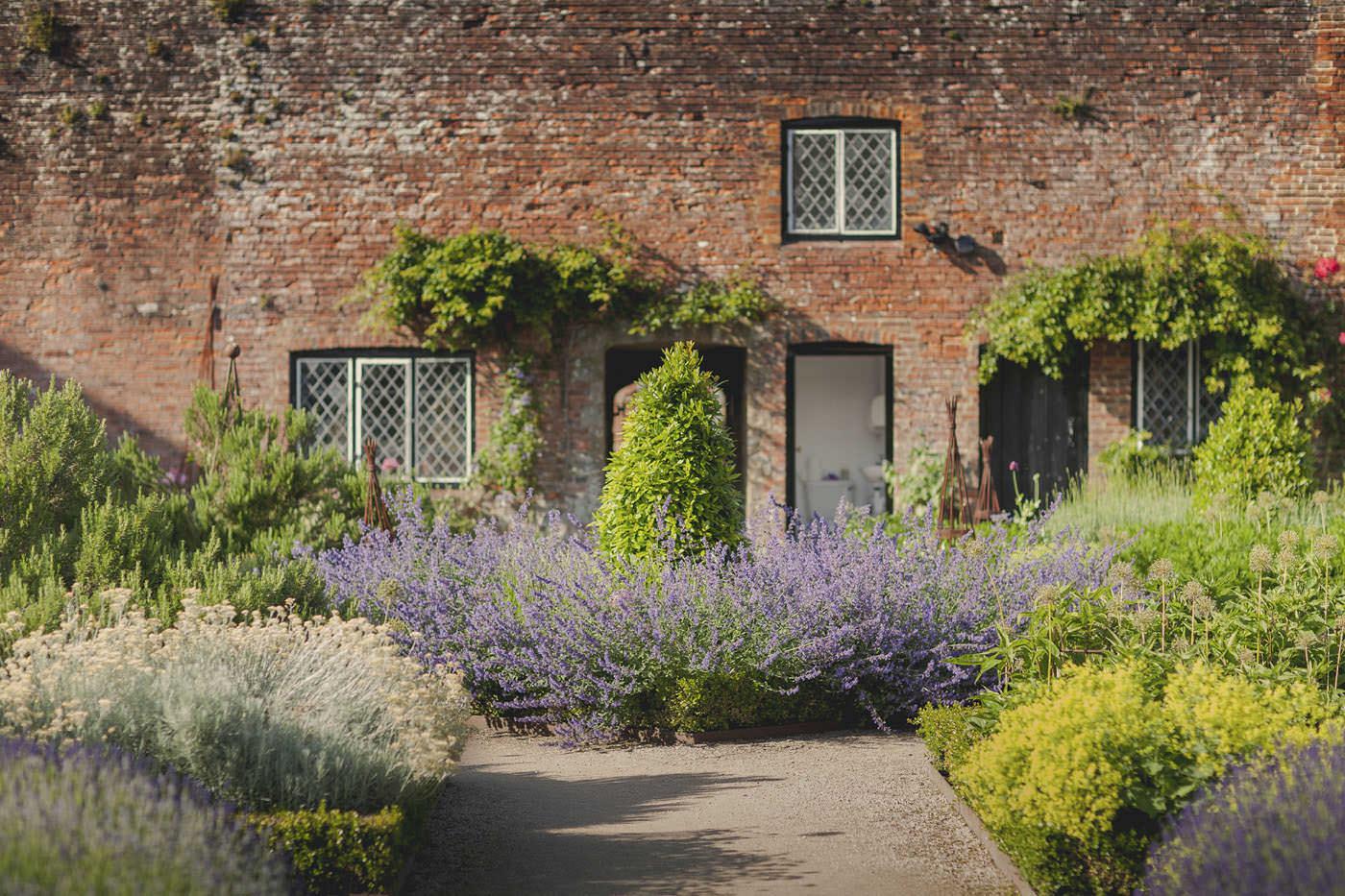 chrissarah walled garden midhurst wedding photographer 0110