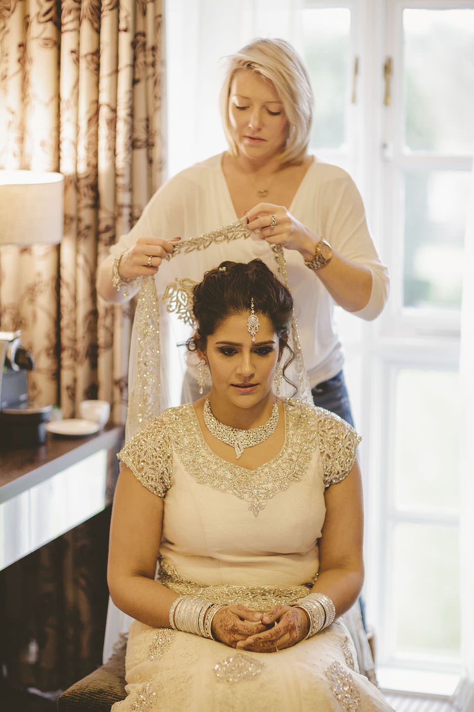 edmundjasveen burford bridge hotel wedding photographer 0027