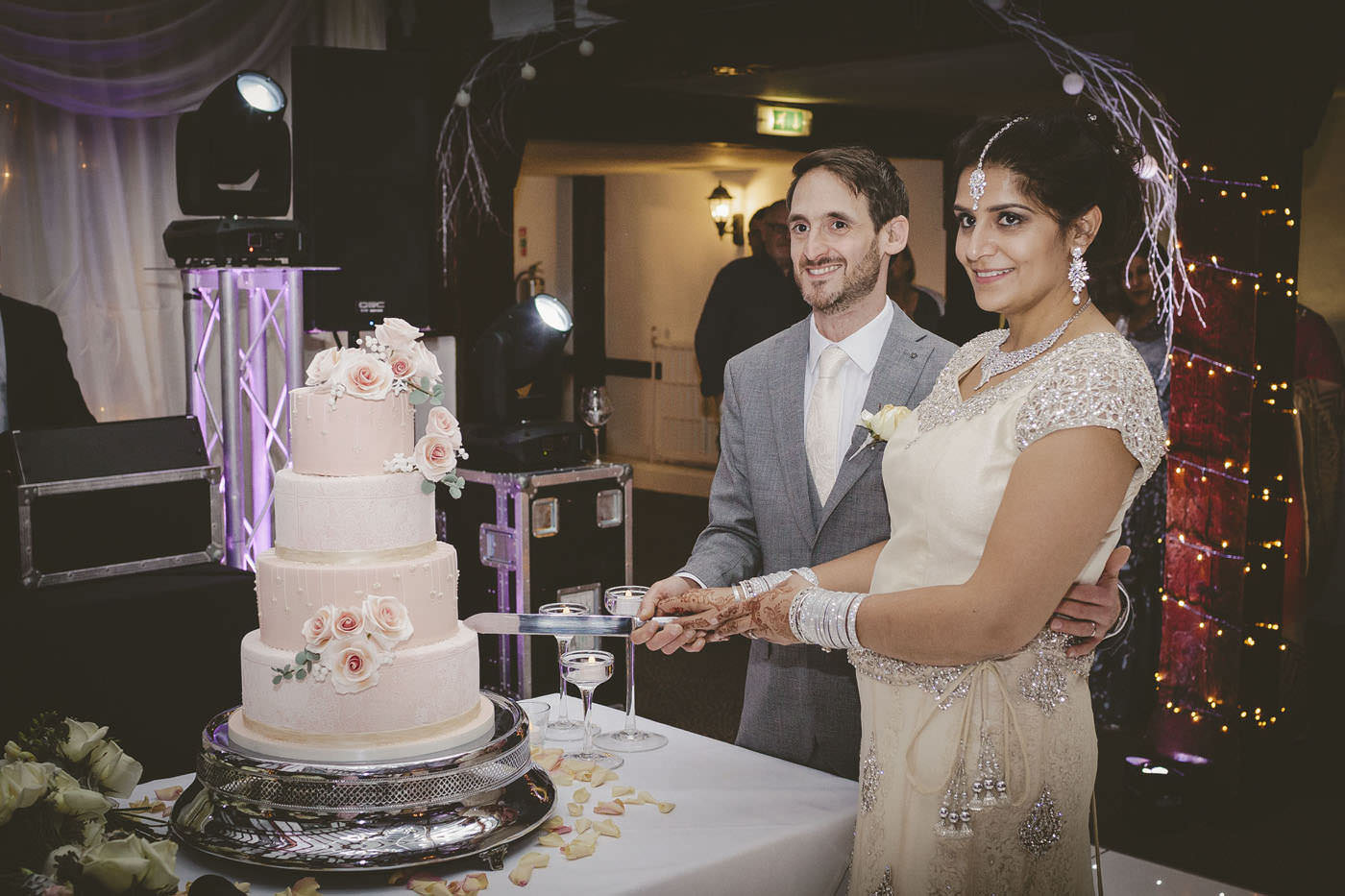 edmundjasveen burford bridge hotel wedding photographer 0111