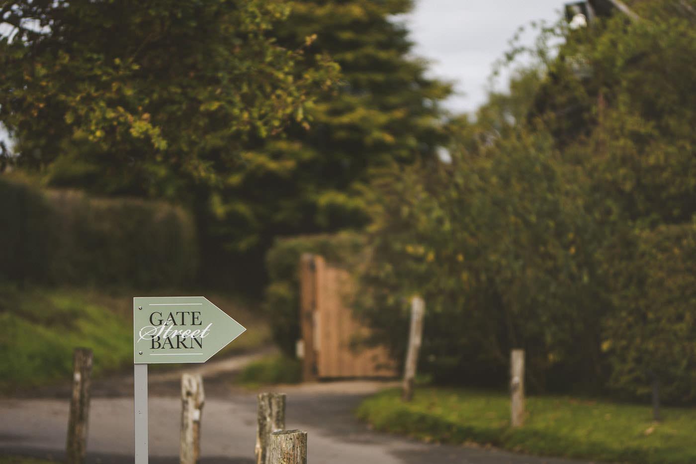 adamzoe gate street barn wedding photographer 0001