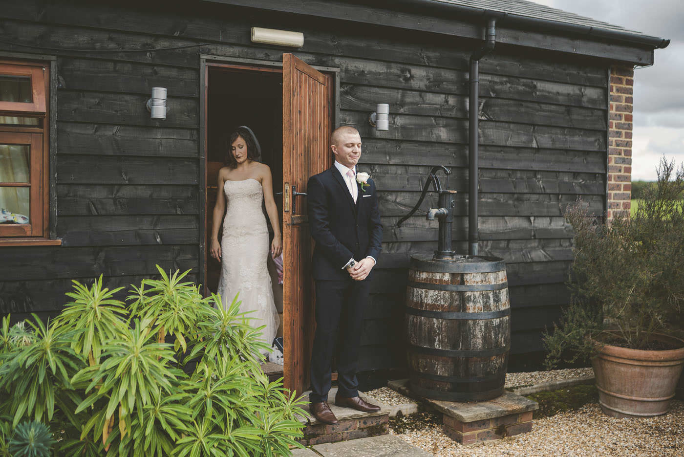 adamzoe gate street barn wedding photographer 0033
