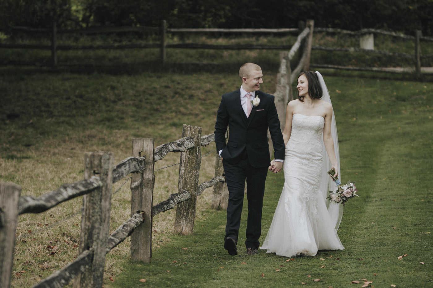 adamzoe gate street barn wedding photographer 0112